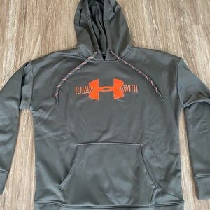 Women's NWT Under Armour Medium Pullover Hoodie